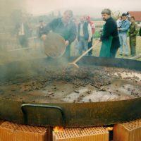 Südsteirische Harmonie Grösste Kastaniebratpfanne Der Welt In Großklein